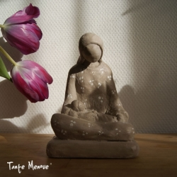 """Statue """"Vierge attendrie"""""""